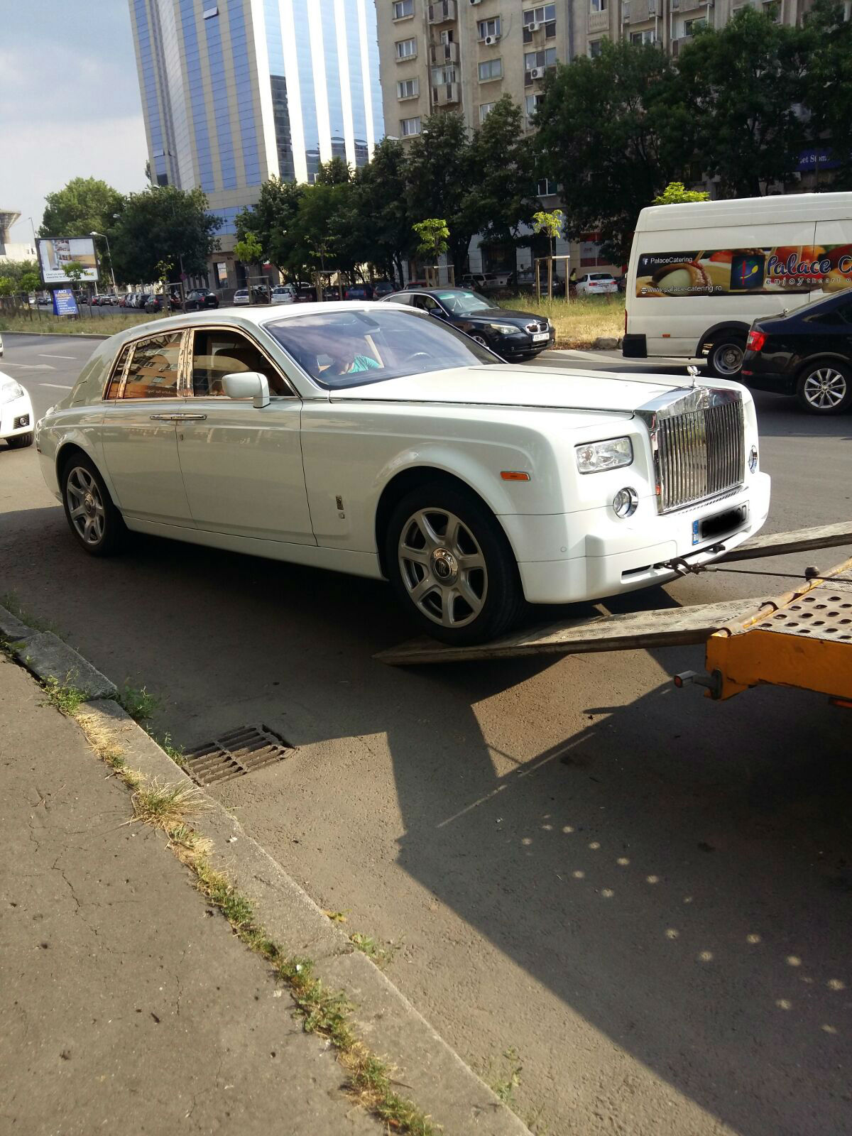 Tractari auto masini de lux